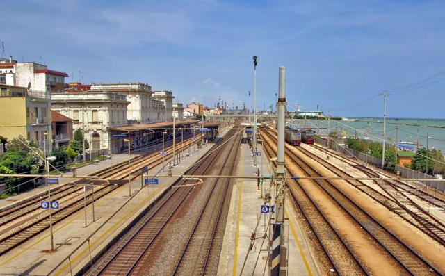 Revisione del tracciato ferroviario costiero